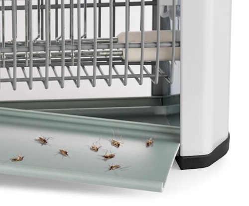 Velmi snadné čištění elektrického lapače hmyzu